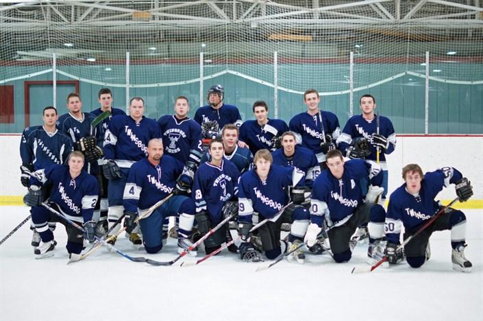 2011 Alumni Players - wearing blue
