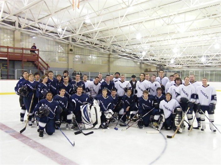 The 2010 Alumni Game Players